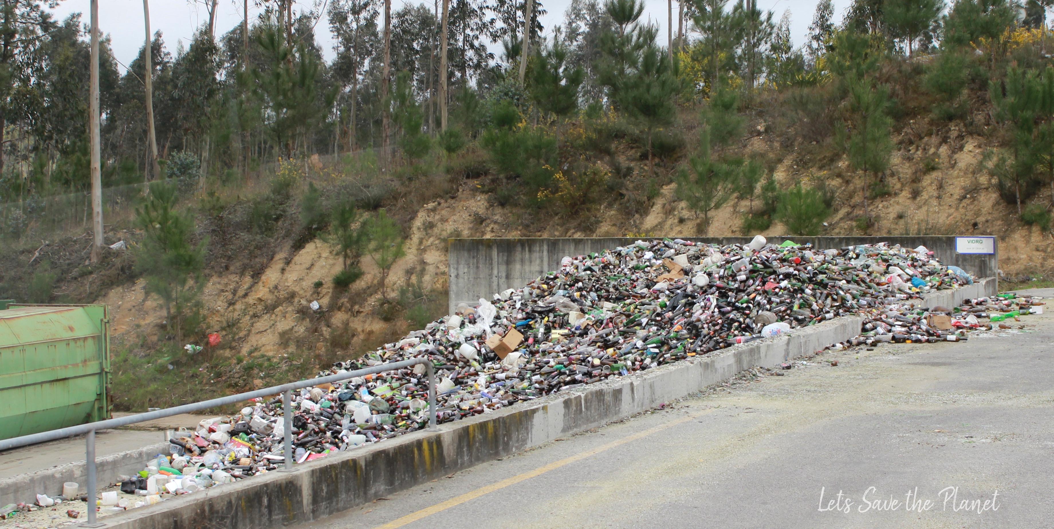 Cais de armazenamento, local onde o vidro é depositado depois de recolhido